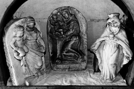 allegro: Statuette