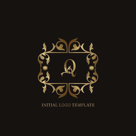 Golden Q Initial logo. Frame emblem ampersand deco ornament monogram luxury logo template for wedding or more luxuries identity Vettoriali