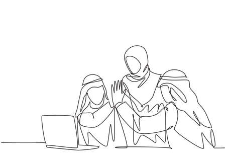 One single line drawing of young happy muslim marketer giving high five to his partner. Saudi Arabia businessmen with shmag, kandora, headscarf, thobe. Continuous line draw design vector illustration 向量圖像
