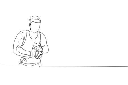 One continuous line drawing of young sporty man kickboxer athlete wrap a strap bandage to prepare a fighting at gym center. Combative sport concept. Dynamic single line draw design vector illustration