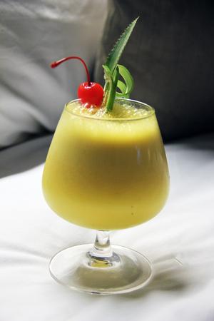 Stock Photo: Pinnapple and Mango Juice Reklamní fotografie