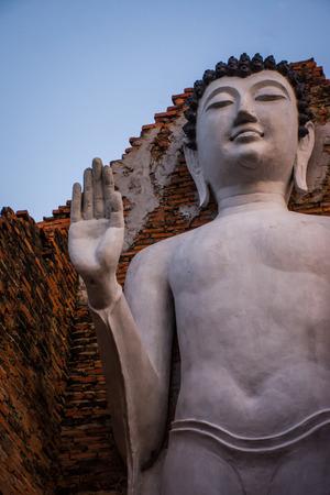 samutprakarn: Standing Buddha Statue