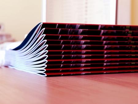 imprenta: nuevas revistas en rosa mont�n m�s de escritorio