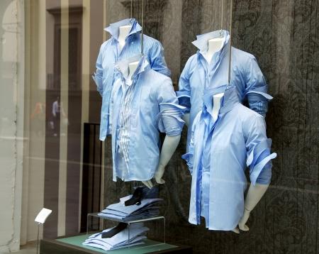 camisas: varios hombres azules