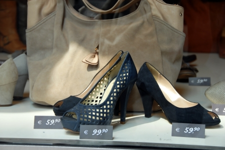 show window: various fashionable shoes