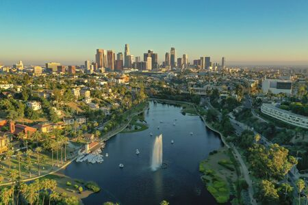 Aerial view of Echo Park and downtown Los Angeles during golden hour Foto de archivo