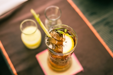lemongrass tea: Thai iced tea refreshment with lemongrass
