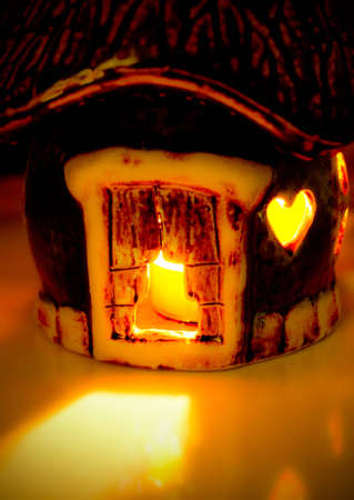 eternal: Candle in the small ceramic house