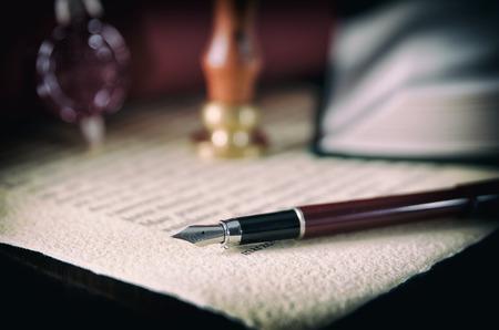 Direito, legal, notário público. Selo de cera em papel artesanal. Conceito de plano de fundo do tribunal de carimbo