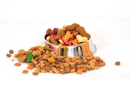 comida perro: comida de alimentos secos de comida de perro Foto de archivo