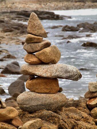 als: Steine als kleines Steinmaennchen aufgestapelt
