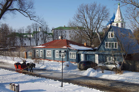 horse sleigh: SUZDAL, RUSSIA - February 21, 2015: Winter day in the Russian city Editorial