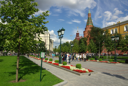 arsenal: MOSCOW, RUSSIA - August 23, 2014: View of the Corner Arsenal Tower of Moscow Kremlin from the Alexander Garden