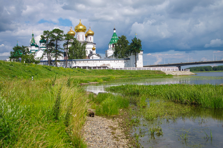 KOSTROMA, RUSSIA - July, 2016: Ipatyevsky Monastery in summer day 版權商用圖片