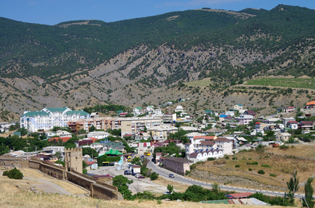SUDAK, CRIMEA - June, 2018: City view from the walls of the Genoese fortress 新聞圖片