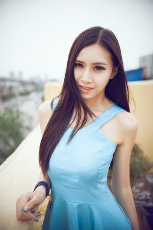 černé vlasy: Krásná Asiatka, černé vlasy