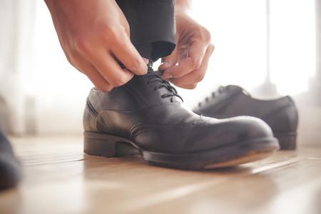 black tie: Use zapatos Foto de archivo