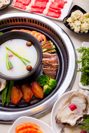 hot pot: Barbecue and hot pot together