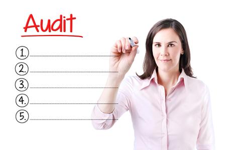 validity: Mujer de negocios por escrito la lista de Auditor�a en blanco. Aislado en blanco.