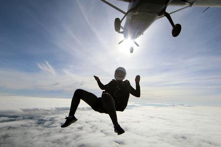 Parachutespringen in Noorwegen Stockfoto