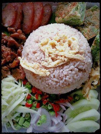 paste: Rice mixed with shrimp paste