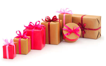 礼物盒,在被隔绝的白色背景的礼物。度假情人节。妇女节。母亲节。