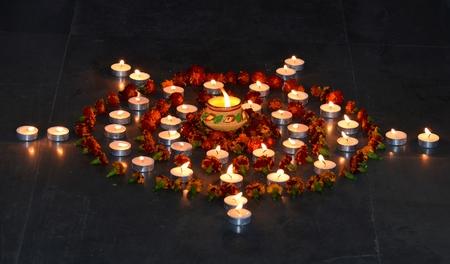 earthen: Tradizionale lampada di terra indiana durante il Diwali