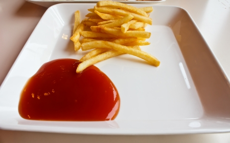 pomme: Stock Photo - french fries  pommes frites  in plate isolated on white Stock Photo