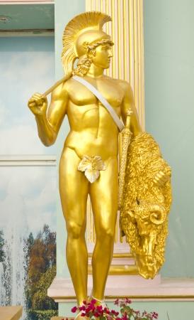 diosa griega: Foto de archivo - escultura en piedra de soldado romano antiguo