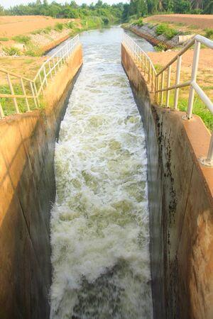 waste water: Drain waste water