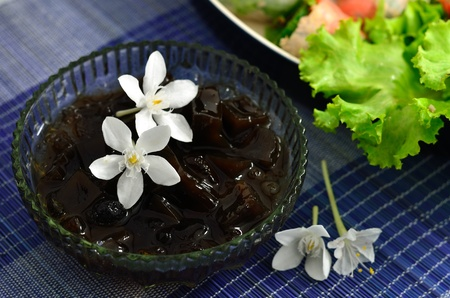 Dessert cups of Grass jelly 版權商用圖片