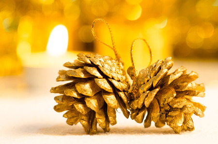 christmas scene and new year background for art design with golden pine bark extract, snow gold bokeh background Stockfoto