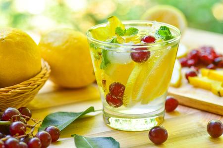 lemon grape star apple fruit soda drink for detox water Stockfoto