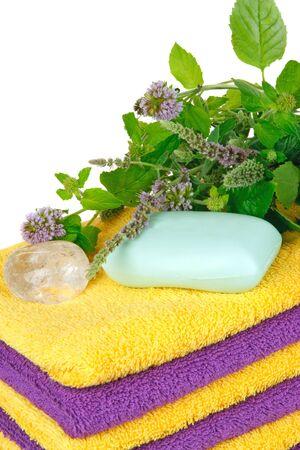 mentha: Toallas con mentha fresca y cristal (concepto de spa