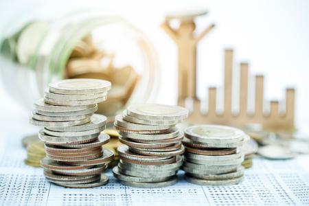 Cierre de divisas monedas para las finanzas y el concepto de banca Foto de archivo - 85466247
