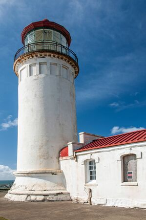 灯台は、岬の失望、ワシントンの最も外側の点の上に座っています。 写真素材 - 62416847