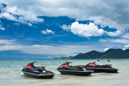 moto acuatica: Jet ski en la playa
