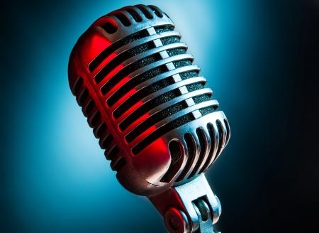 microfono antiguo: Micr?o de la vendimia Foto de archivo