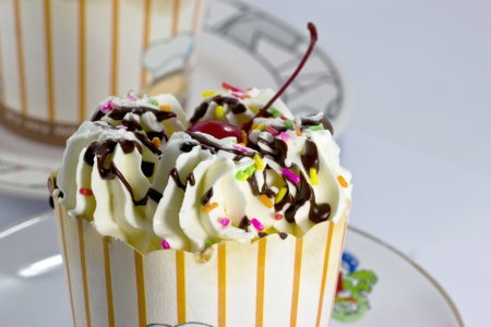 Cream cupcakes  Stock Photo - 15449590