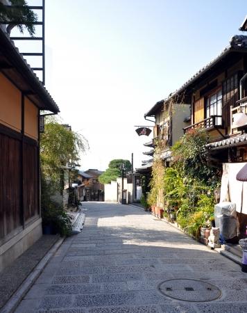 dera: Street leading to Kiyomizu Dera Temple, Kyoto, Japan