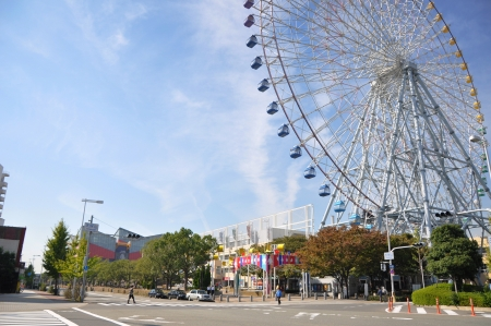 acrophobia: KYOTO- OCT 23: Ferris wheel in Tempozan Harbor Village - Osaka, Japan on October 23 2012.