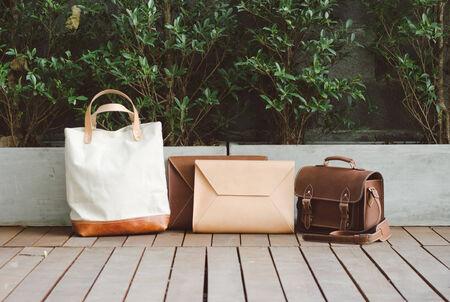 pochette: Fashion Leather Bags, Nature Background