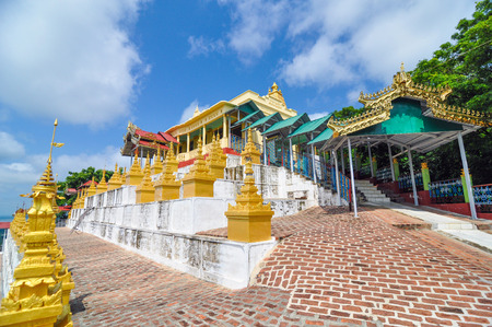 greatly: U Min Thonze Cave - A greatly revered Buddhist temple at Sagaing in Myanmar