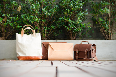 pochette: Fashion Leather Bags Collection