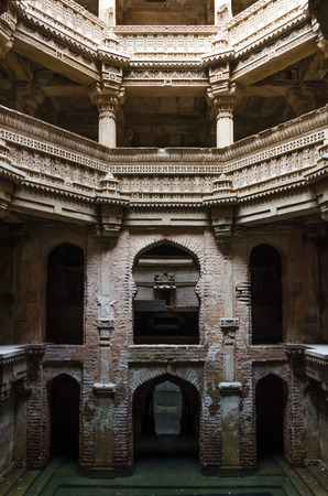 toran: Adalaj Stepwell in Ahmedabad, Gujarat, India Stock Photo