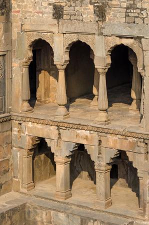 chand: Chand Baori Stepwell en Jaipur, Rajasthan, India.