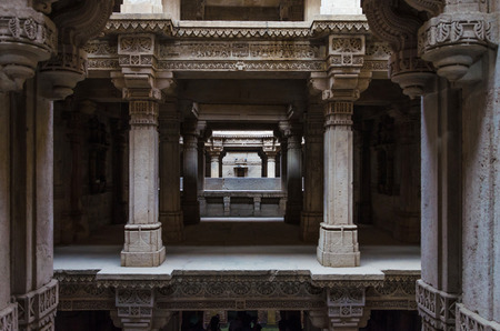 toran: Perspective of Adalaj Stepwell in Ahmedabad, Gujarat, India Stock Photo