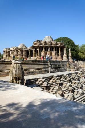gujarat: Sun Temple Modhera with Stepwell in Ahmedabad, Gujarat, India Stock Photo