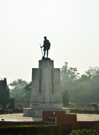 mahatma: Mahatma Gahdhi statue in the center of Jaipur, India