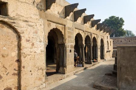 chand: Arcade de Chand Baori Stepwell en Jaipur, Rajasthan, India.